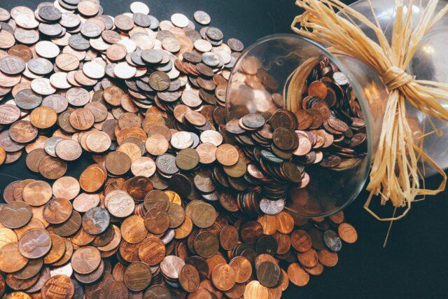 大量の小銭を手数料なしで両替するにはゆうちょ銀行がおすすめ!その方法を説明します