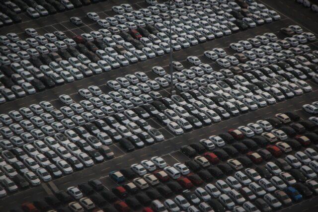 新車駐車場